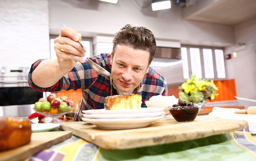 "TODAY -- Pictured: Jamie Oliver appears on NBC News' ""Today"" show -- (Photo by: Peter Kramer/NBC/NBC NewsWire via Getty Images) (Foto: NBCU Photo Bank via Getty Images)"