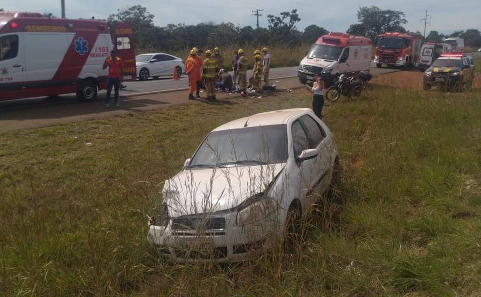 Jovem de 20 anos atropela e mata idoso na BR-020, no DF — Foto: CBMDF/Divulgação