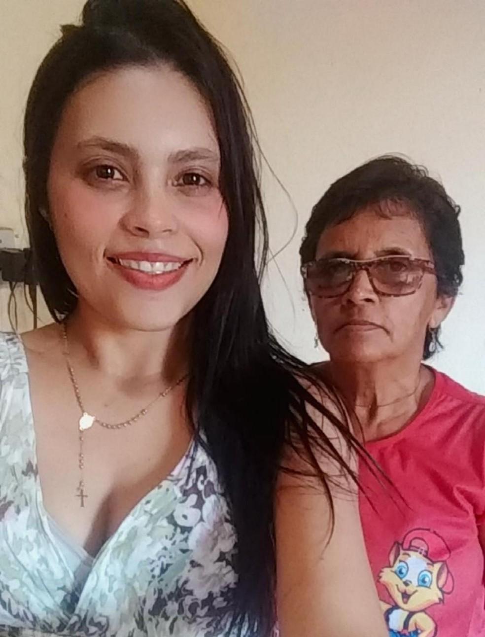 Hilderlania Alves e sua mãe, Luciana Nunes, já receberam quatro parcelas do Auxílio — Foto: Arquivo pessoal