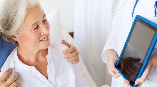 Clientes da Health Business Solutions recebem tablets ao deixarem o hospital (Foto: Divulgação)