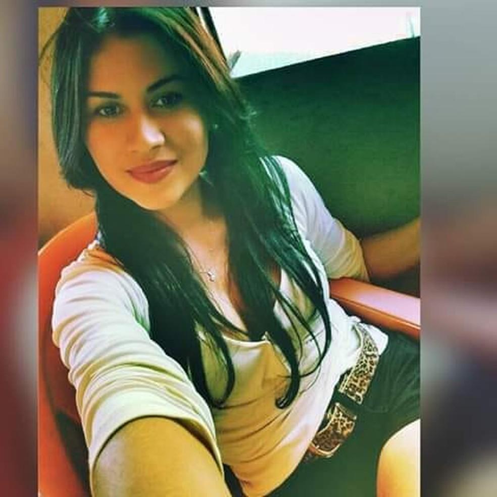 Fabiana Lucas, de 35 anos, foi encontrada morta próximo a máquina de lavar ao tentar usar o equipamento. — Foto: Arquivo pessoal