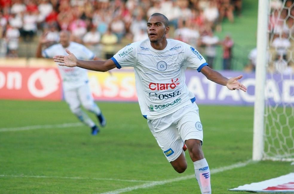 Régis, ex-São Bento, é esperado para treinar no São Paulo na sexta-feira (Foto: Jesus Vicente/EC São Bento)