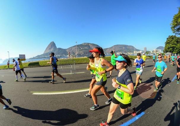 Rosana Hermann e sua filha, Anita Efraim (as duas à direita), correm com a Run & Fun (Foto: Instagram/Reprodução)