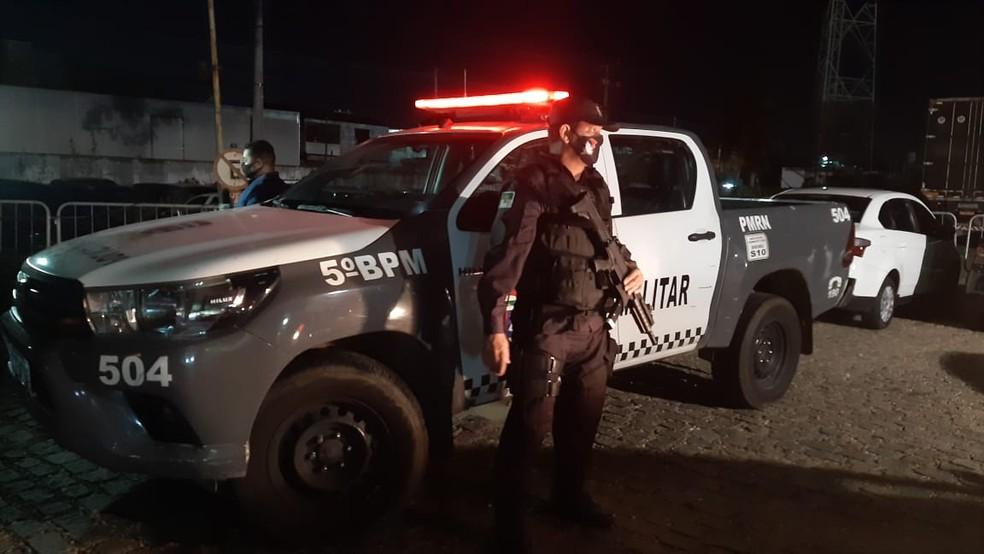 Assaltantes foram presos após perseguição pelos bairro da Zona Sul de Natal — Foto: Sérgio Henrique Santos/Inter TV Cabugi