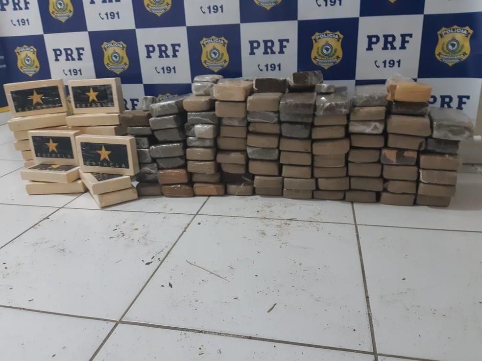PRF apreendeu 60 kg de maconha e 20 kg de cocaína em carro na BR-354 — Foto: PRF