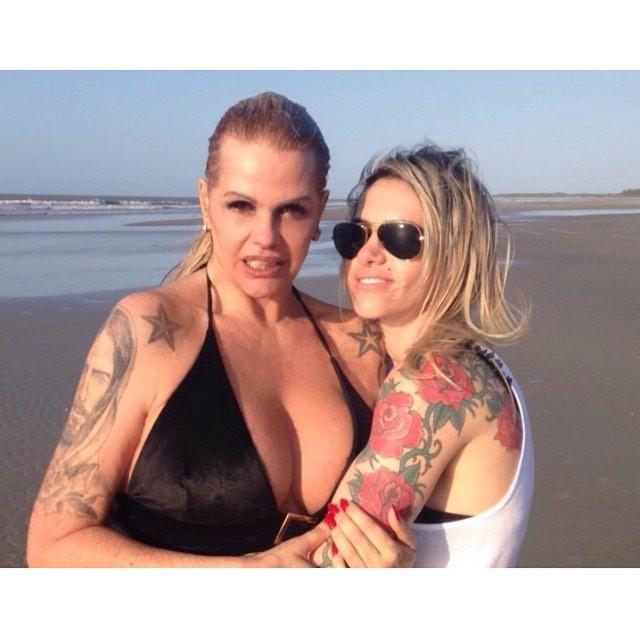 Monique Evans e namorada (Foto: Reprodução / Instagram)