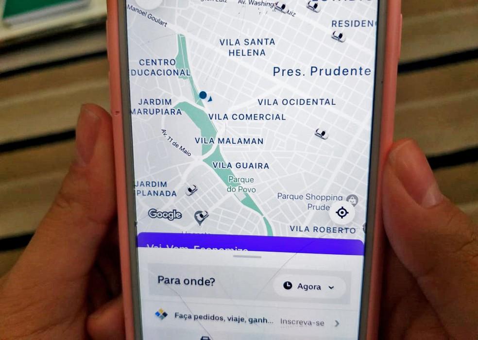 Aplicativo de trajeto e transporte, em imagem de arquivo  — Foto: Heloise Hamada/G1