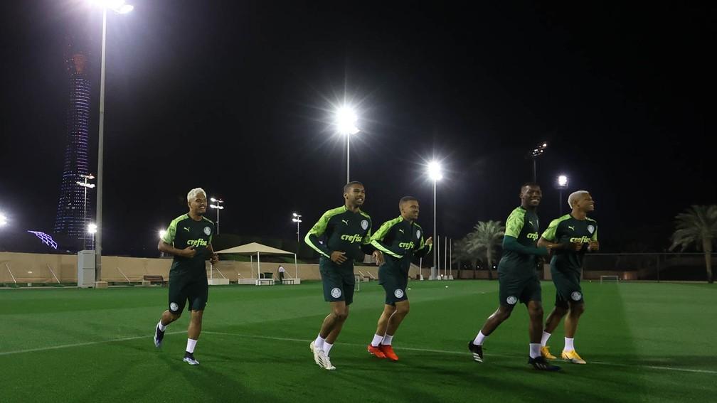 Gabriel Menino, Wesley, Esteves, Patrick de Paula e Danilo durante treino do Palmeiras — Foto: Cesar Greco / Ag. Palmeiras