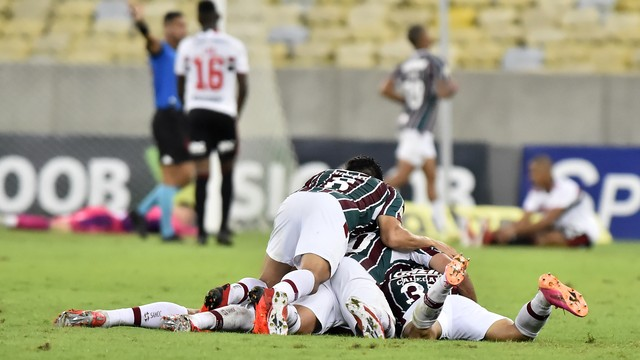 Fluminense comemora gol contra o São Paulo