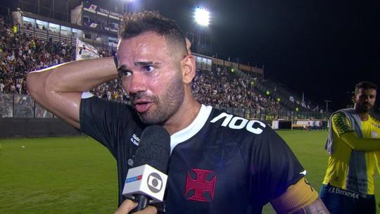"""Após protesto da torcida do Vasco, Castan sai em defesa de Valentim: """"A culpa não é do treinador"""""""