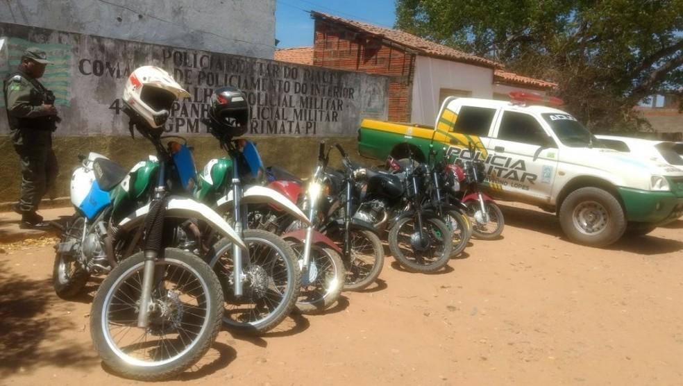 Grupamento da PM de Curimatá recebeu reforços (Foto: Divulgação/CCOM)