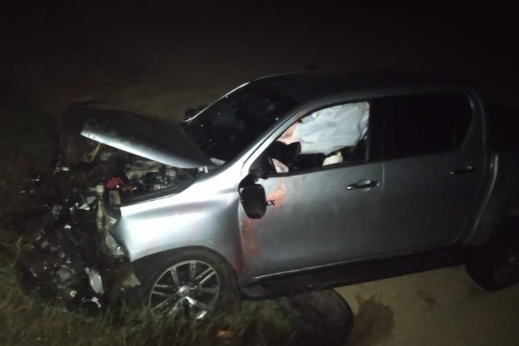 Caminhonete capota em duna e deixa quatro pessoas feridas no Cumbuco