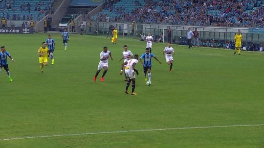 Em teste de luxo para finais, Grêmio vence e deixa o São Paulo longe da Libertadores