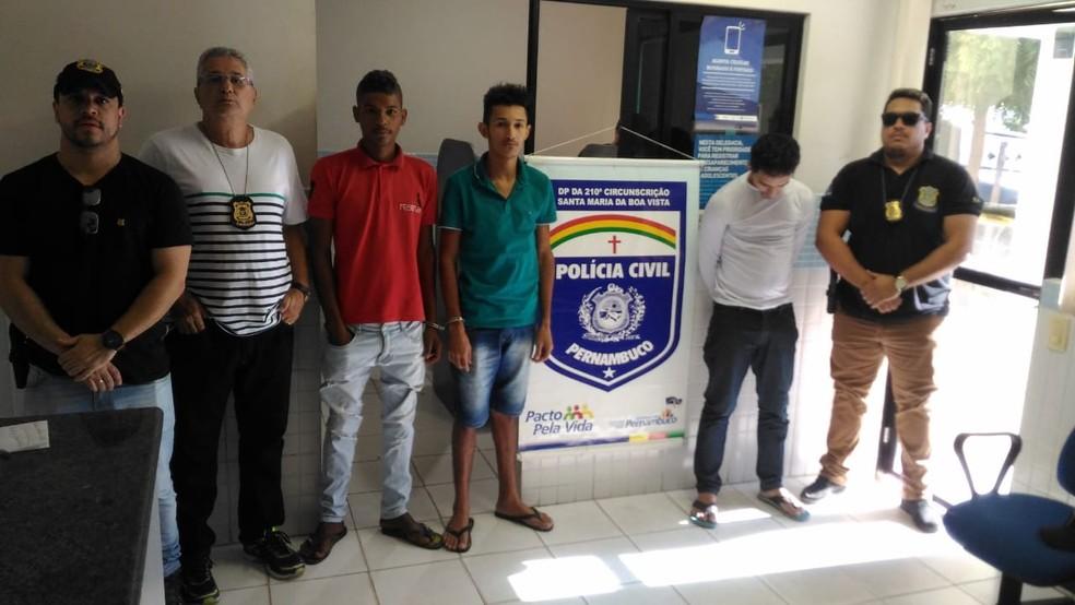 Presos em Santa Maria da Boa Vista — Foto: Polícia Civil