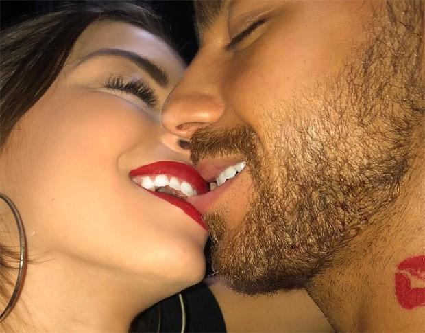 Anna Rita Cerqueira e Raphael Machado são confundidos com Bruna Marquezine e Neymar (Foto: Reprodução/Instagram)