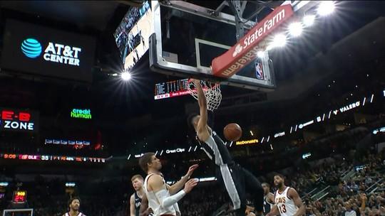 San Antonio Spurs estraga festa de LeBron e vence os Cavaliers em noite histórica