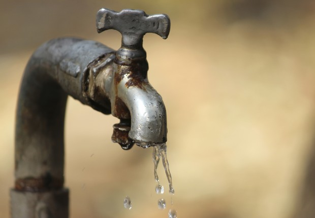 água torneira seca desperdício crise hídrica (Foto: Thinkstock)