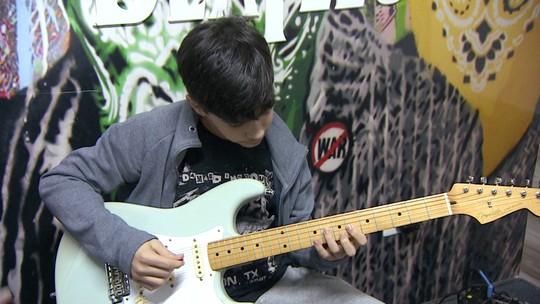 Empresários de SP faturam com franquia de escola americana que ensina a tocar rock