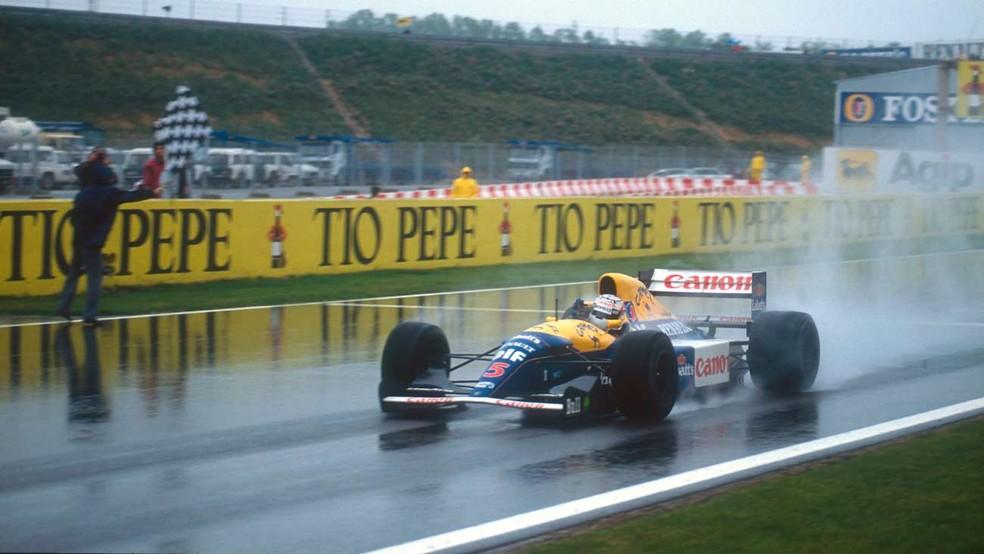 Nigel Mansell vence o GP da Espanha de 1992 com o FW14B — Foto: Divulgação/Williams