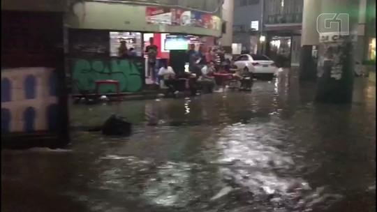 Chuva atinge vários bairros do Rio e cidade entra em Estágio de Atenção