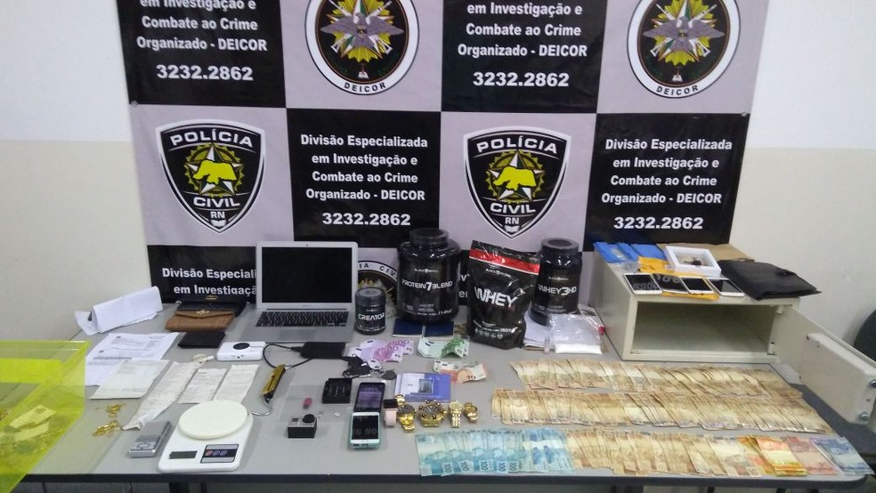 Material apreendido pela Deicor na segunda fase da Operação Caça às Bruxas, em Natal (Foto: Cedida/Polícia Civil)
