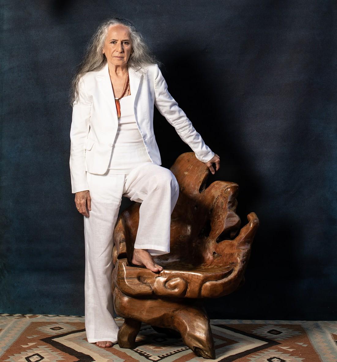 Maria Bethânia faz 75 anos e anuncia 'A flor encarnada', primeiro single do álbum 'Noturno'