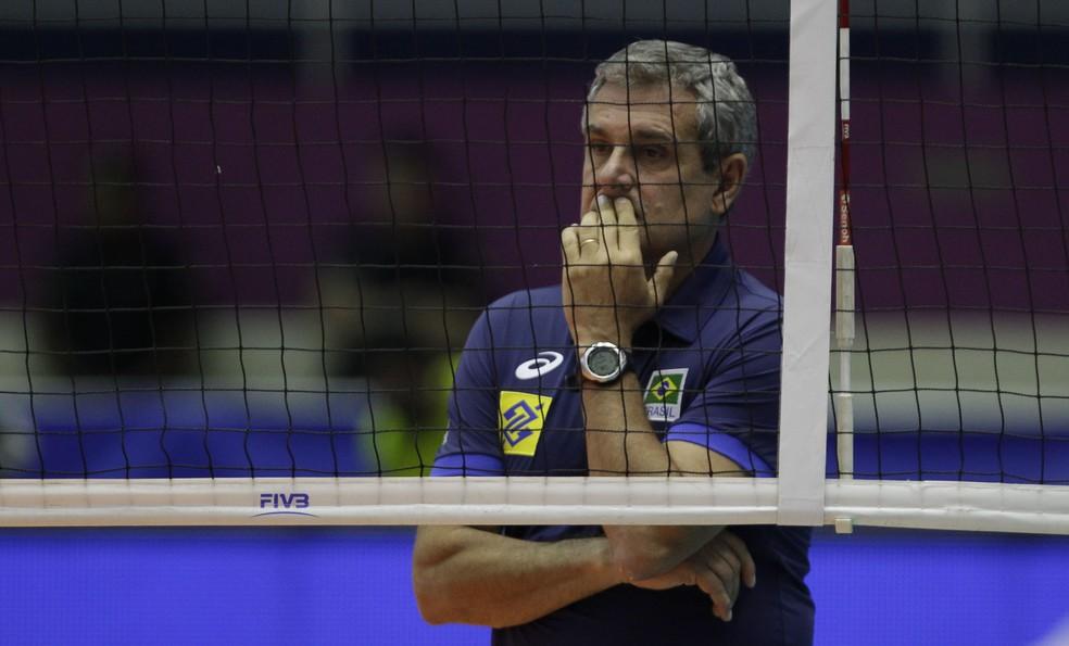 José Roberto Guimarães vai tentar fazer seleção evoluir na segunda partida (Foto: Divulgação/FIVB)