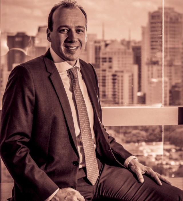 Fabio Protásio, CEO da AIG, é mais jovem que os diretores. Ele crê que os maduros trazem inteligência emocional à equipe (Foto: Divulgação)