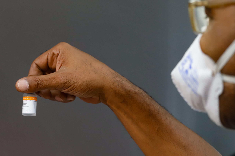 Aplicação da segunda dose de CoronaVac é novamente suspensa em Aracaju, informa SMS