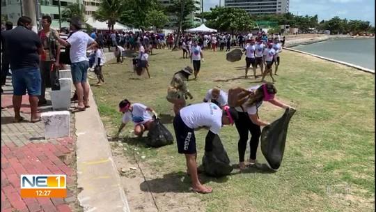 Voluntários coletam lixo no Recife e em Paulista no Dia Mundial da Limpeza