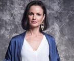 Agnes (Carolina Kasting) é mãe de Kyra. Viúva e herdeira de uma tradicional família, ela não consegue se conformar ao achar que a filha está morta | TV Globo