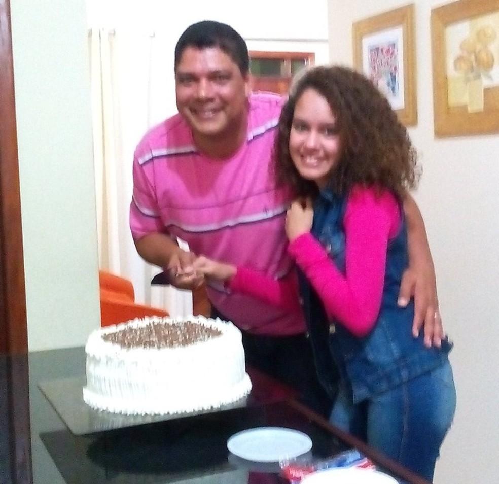 Pai e filha morreram em um acidente na BR-116, em Santa Bárbara do Leste — Foto: Redes Sociais