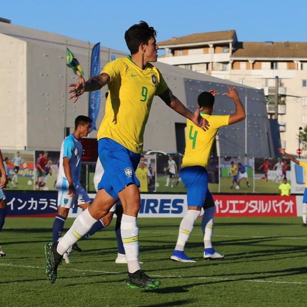 Pedro em ação pela seleção olímpica do Brasil no Torneio de Toulon — Foto: Fernando Torres / CBF
