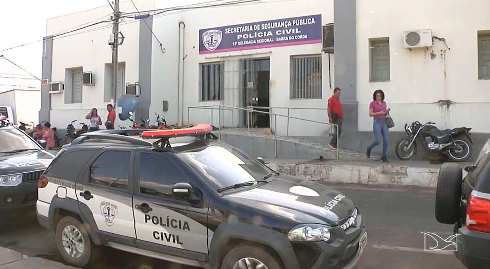 Delegacia de Barra do Corda onde comerciante morreu (Foto: Reprodução / TV Mirante)