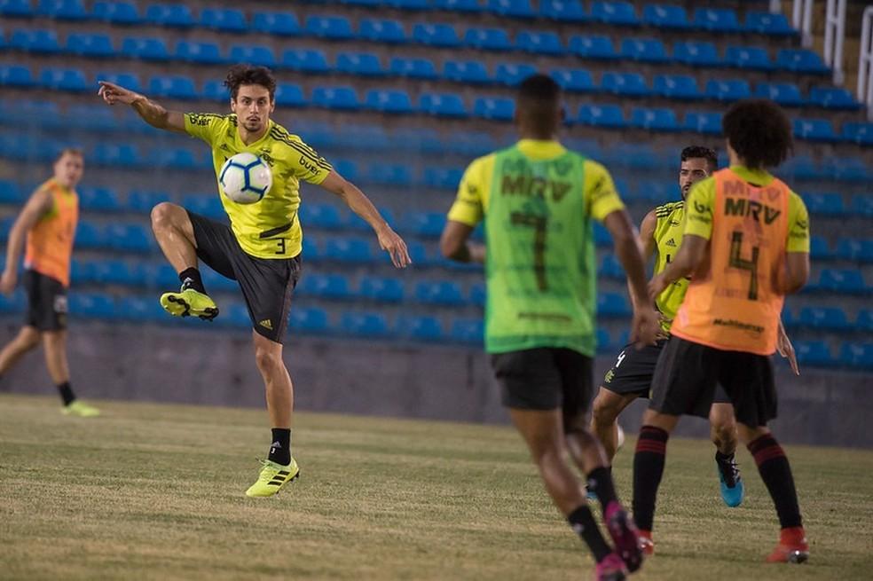 Rodrigo Caio — Foto: Alexandre Vidal / Flamengo