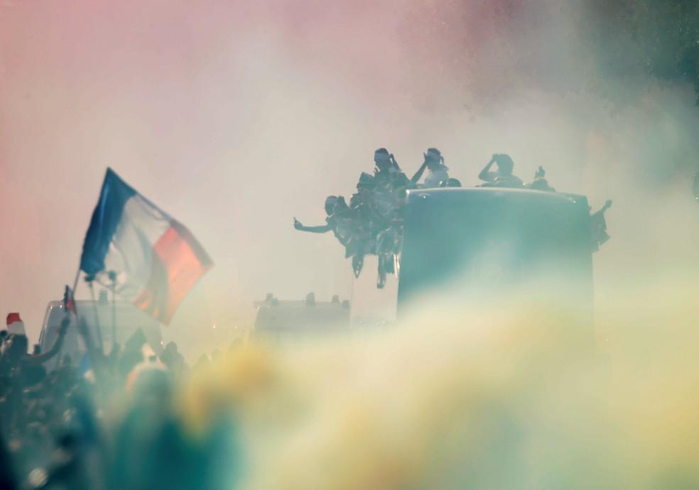 Paris em festa para receber os campeões mundiais  (Foto: Reuters)