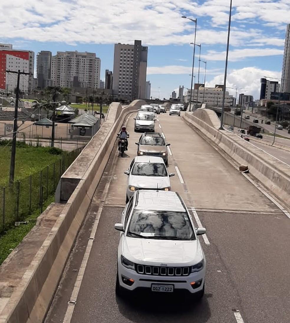 Protesto de profissionais de educação física e empresários do setor foi até a governadoria — Foto: Cref16-RN/Divulgação