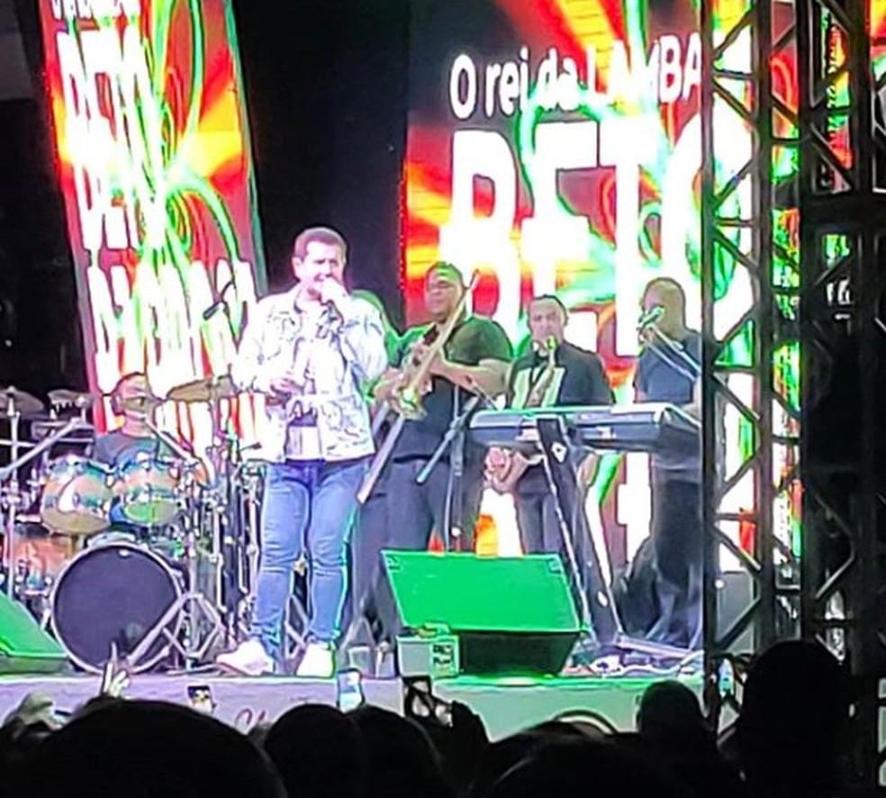 Beto Barbosa passa mal em show em João Pessoa — Foto: Marsel Bruno / Arquivo Pessoal