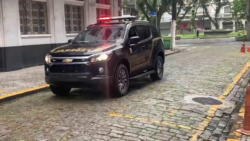 PF cumpre mandados contra lavagem de dinheiro do tráfico de drogas em Viracopos