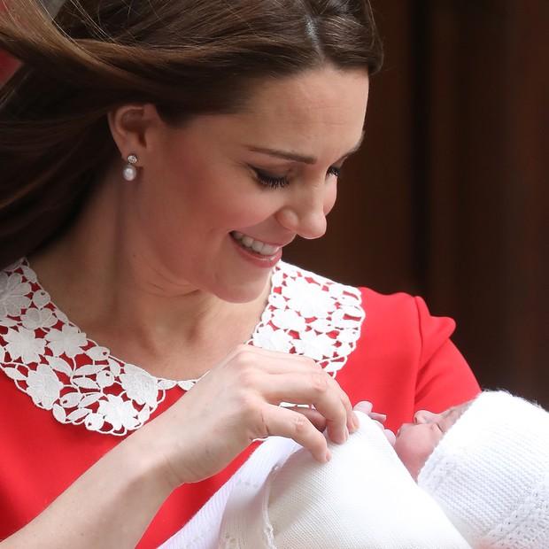 Kate Middleton com o terceiro filho (Foto: Getty)