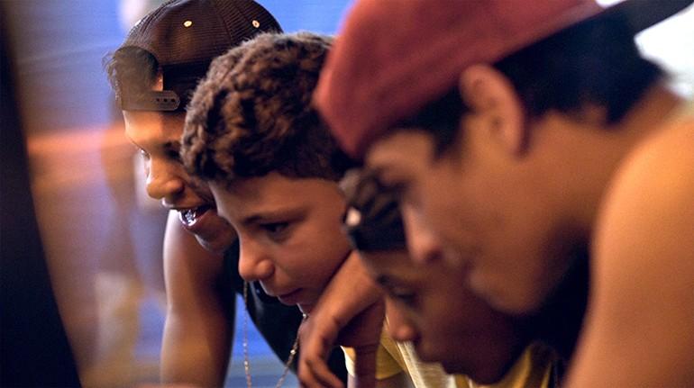 Cineclube de Petrópolis, RJ, promove 'cinema em casa' com sessões on-line e gratuitas através das redes sociais