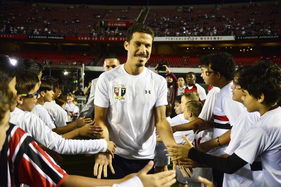 Hernanes em seu retorno ao São Paulo em 2017 — Foto: Marcos Ribolli
