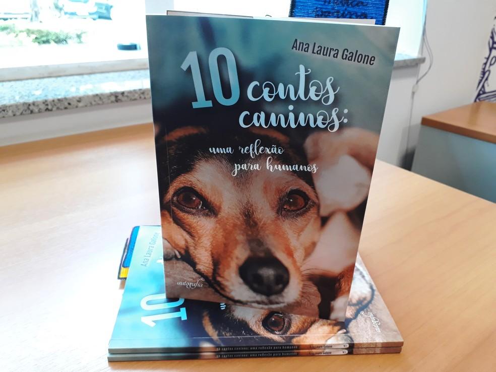 Valor arrecadado com a venda dos livros será revertido integralmente para as causas animais — Foto: Fernanda Szabadi/G1