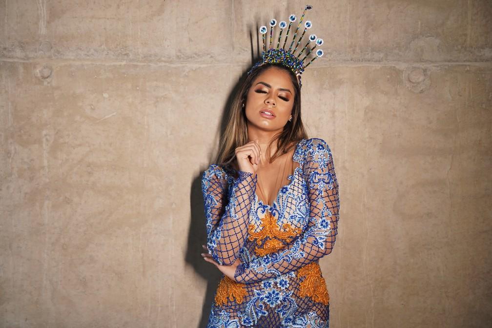 Em 2019 a cantora Lexa reinou como rainha de bateria da Unidos de Bangu, série do Grupo A — Foto: Marcos Serra Lima/G1