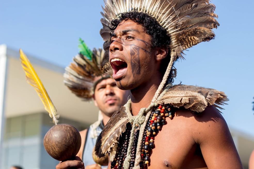 Índio do povo Tupinambá portesta em Brasília — Foto: Tiago Miotto/Cimi