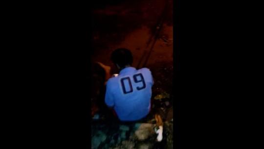 Jovem é preso suspeito de filmar momento em que esfaqueia e mata homem sentado na calçada em Aparecida de Goiânia