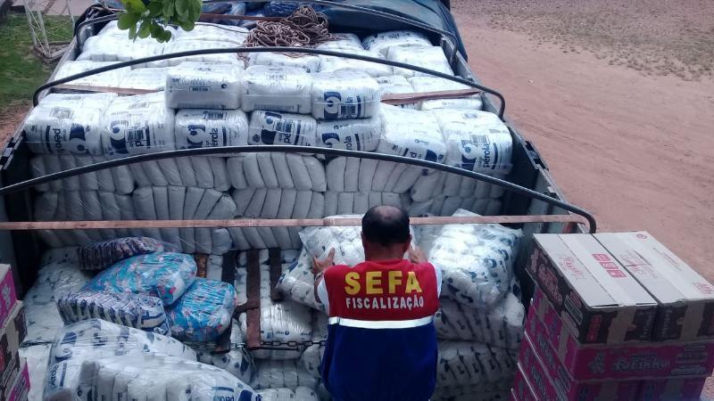 Sefa encontra 6 mil quilos de açúcar escondidos em fundo de caminhão, em Marabá - Notícias - Plantão Diário