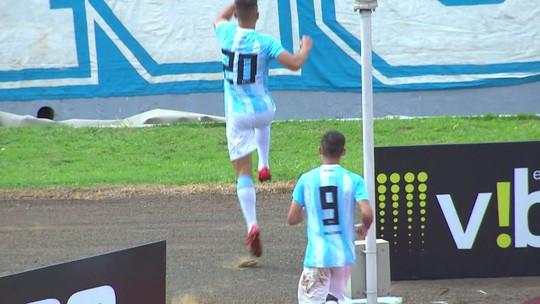 """Alemão valoriza vitória do Londrina sobre o Bragantino: """"Melhor time que enfrentamos"""""""