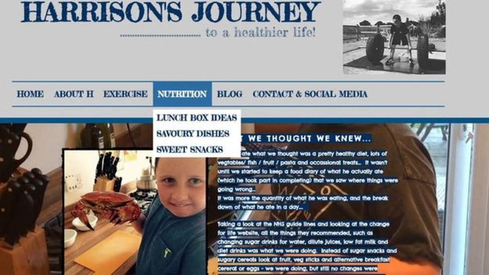 Em sua página na internet, Harrison dá dicas sobre sobre rotina de exercícios e alimentação saudável (Foto: BBC)