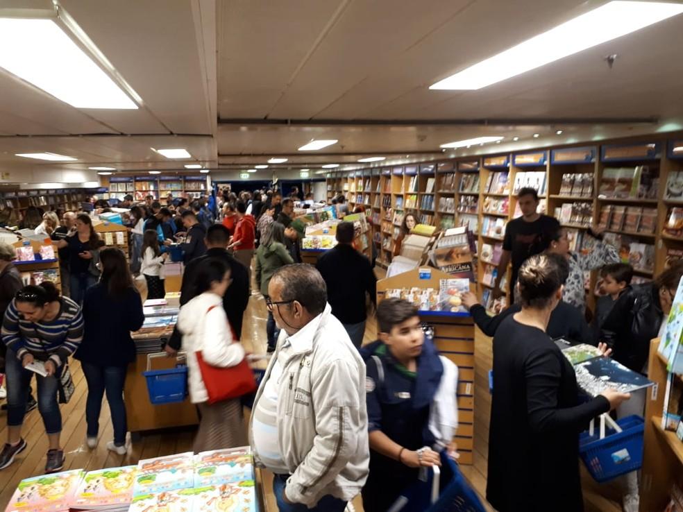 Navio Logos Hope, com a maior livraria flutuante do mundo — Foto: Rodrigo Nardeli/G1